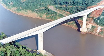 Tancredo Neves Bridge - Connecting Brazil and Argentina